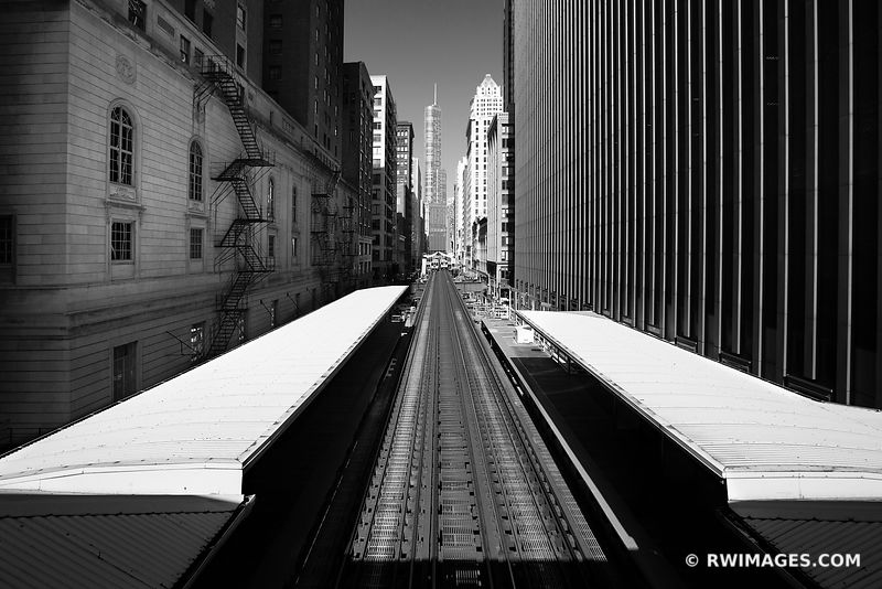 EL TRAIN TRACKS DOWNTOWN CHICAGO ILLINOIS BLACK AND WHITE