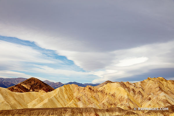 GOLDEN CANYON DEATH VALLEY CALIFORNIA AMERICAN SOUTHWEST DESERT LANDSCAPE