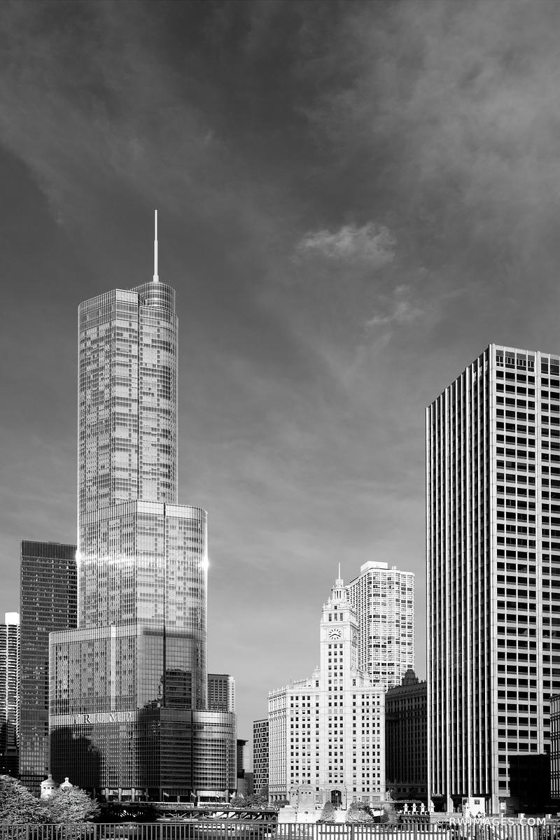 TRUMP TOWER AND WRIGLEY BUILDING CHICAGO DOWNTOWN ARCHITECTURE CHICAGO ILLINOIS BLACK AND WHITE VERTICAL