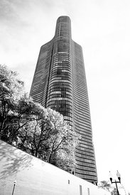 LAKE POINT TOWER CHICAGO ARCHITECTURE CHICAGO ILLINOIS BLACK AND WHITE VERTICAL