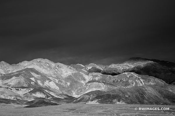 ARTISTS DRIVE SUNET MOUNTAINS DEATH VALLEY CALIFORNIA BLACK AND WHITE