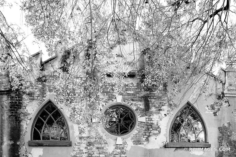 CHARLESTON ARCHITECTURE CHARLESTON SOUTH CAROLINA BLACK AND WHITE