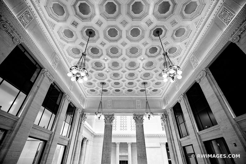 HISTORIC UNION STATION BUILDING INTERIOR CHICAGO ILLINOIS BLACK AND WHITE