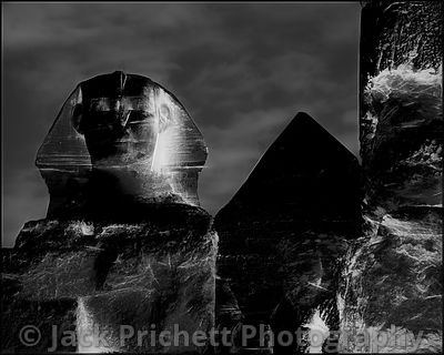 _DSC1761_8x10_Sphinx_and_Cheops_pyramid-bleu_FINAL_Tpz_City_Flare_bw