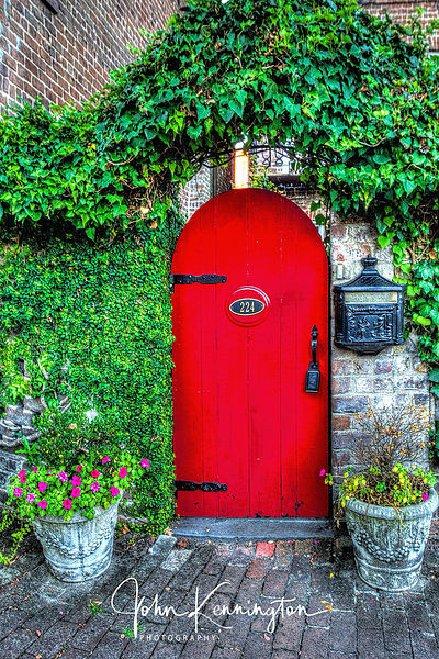 Savannah Red Door, Georgia
