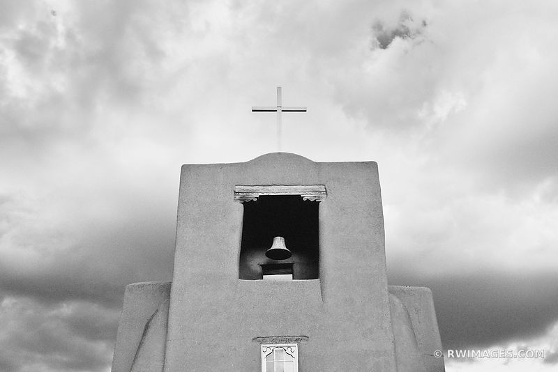 SAN MIGUEL MISSION SANTA FE NEW MEXICO ARCHITECTURE BLACK AND WHITE