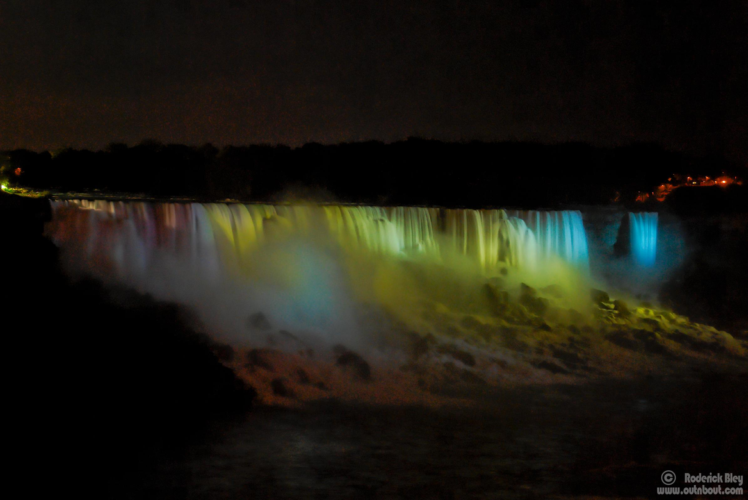 American Falls (night illumination)