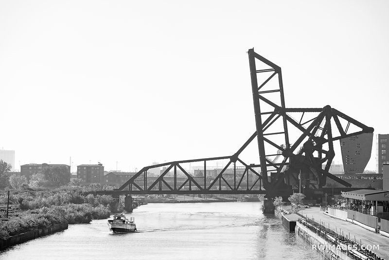 ST. CHARLES AIR LINE RAILROAD BRIDGE CHICAGO ILLINOIS BLACK AND WHITE