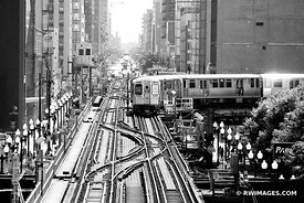 EL TRAIN CHICAGO ILLINOIS BLACK AND WHITE