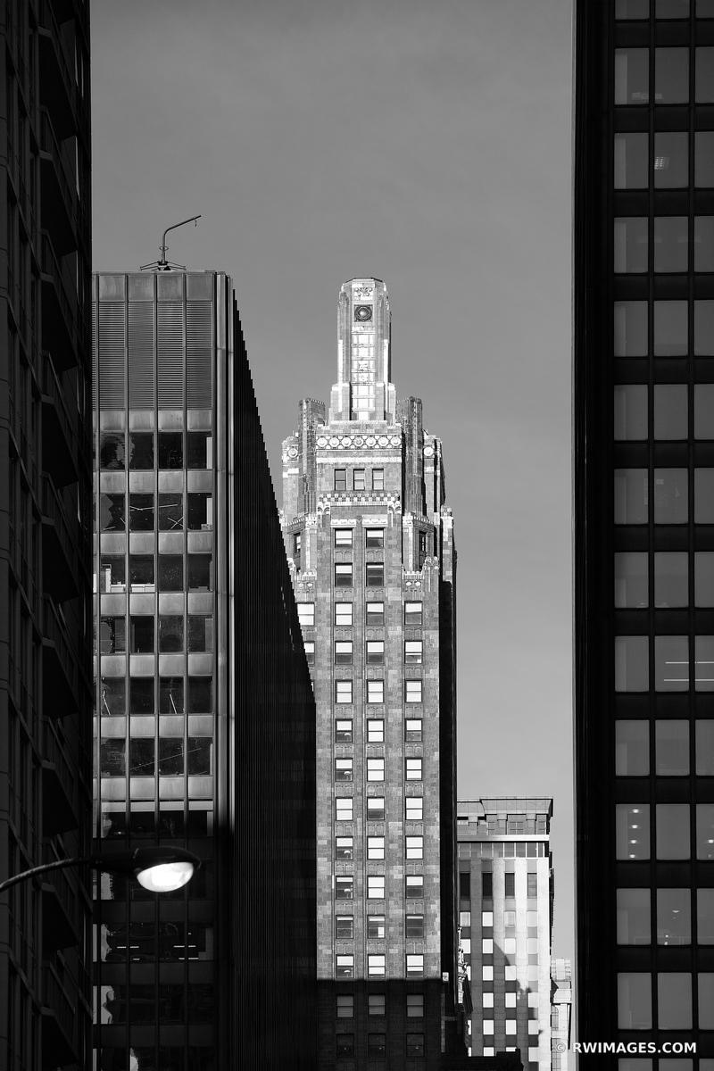 CARBIDE AND CARBON BUILDING CHICAGO ART DECO ARCHITECTURE CHICAGO ILLINOIS BLACK AND WHITE VERTICAL