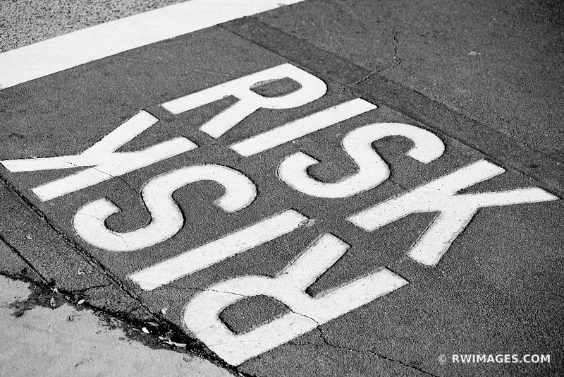 RISK CHICAGO ILLINOIS BLACK AND WHITE