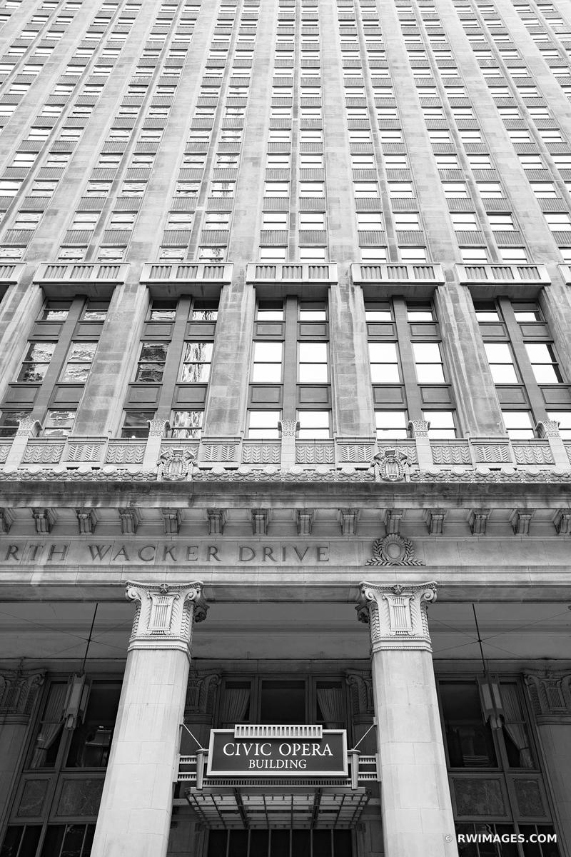 CHICAGO ILLINOIS BLACK AND WHITE VERTICAL