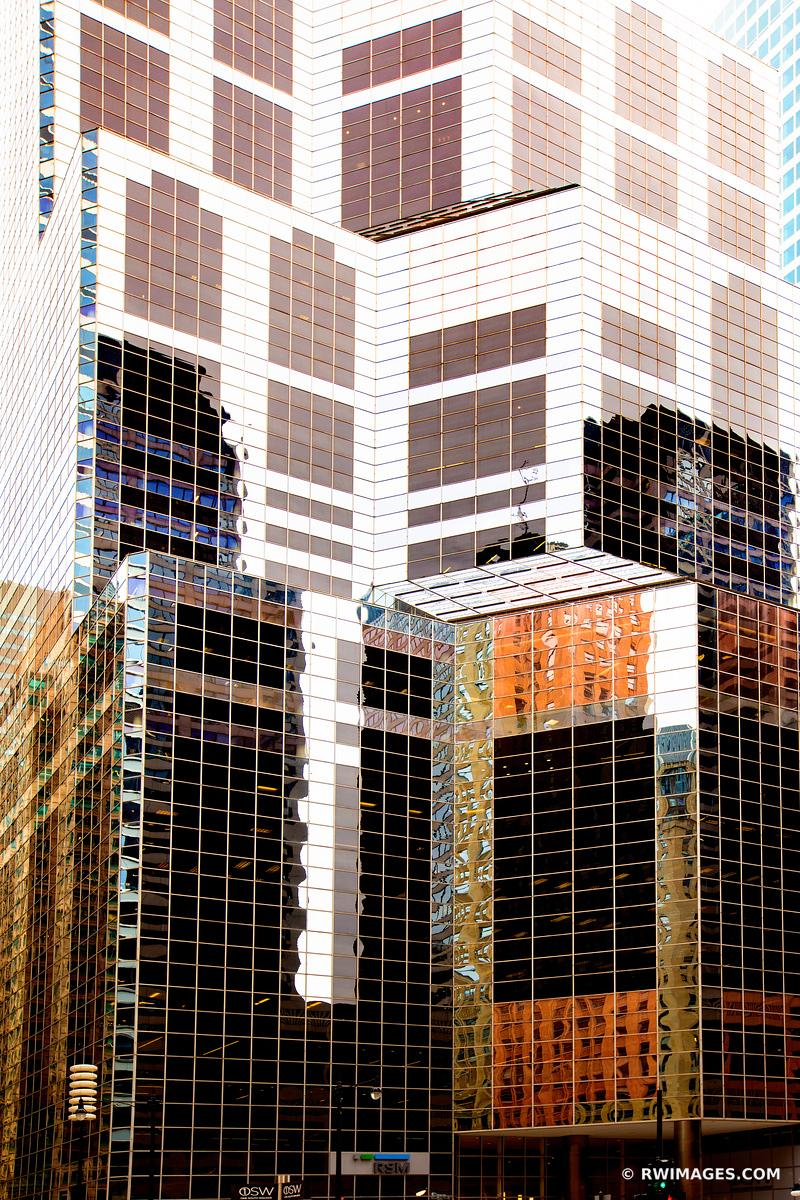 CHICAGO MODERN ARCHITECTURE GLASS AND STEEL WACKER STREET CHICAGO ILLINOIS COLOR VERTICAL