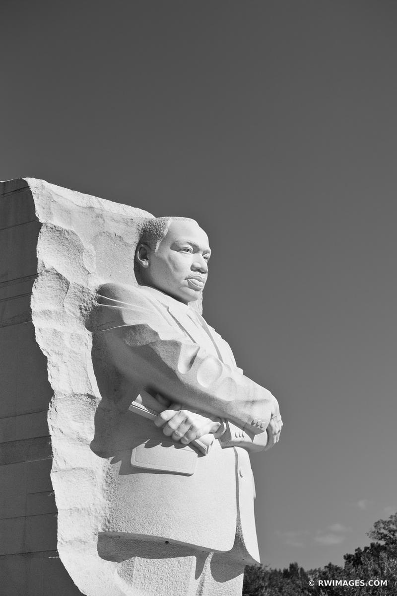 MARTIN LUTHER KING JR MEMORIAL WASHINGTON DC BLACK AND WHITE
