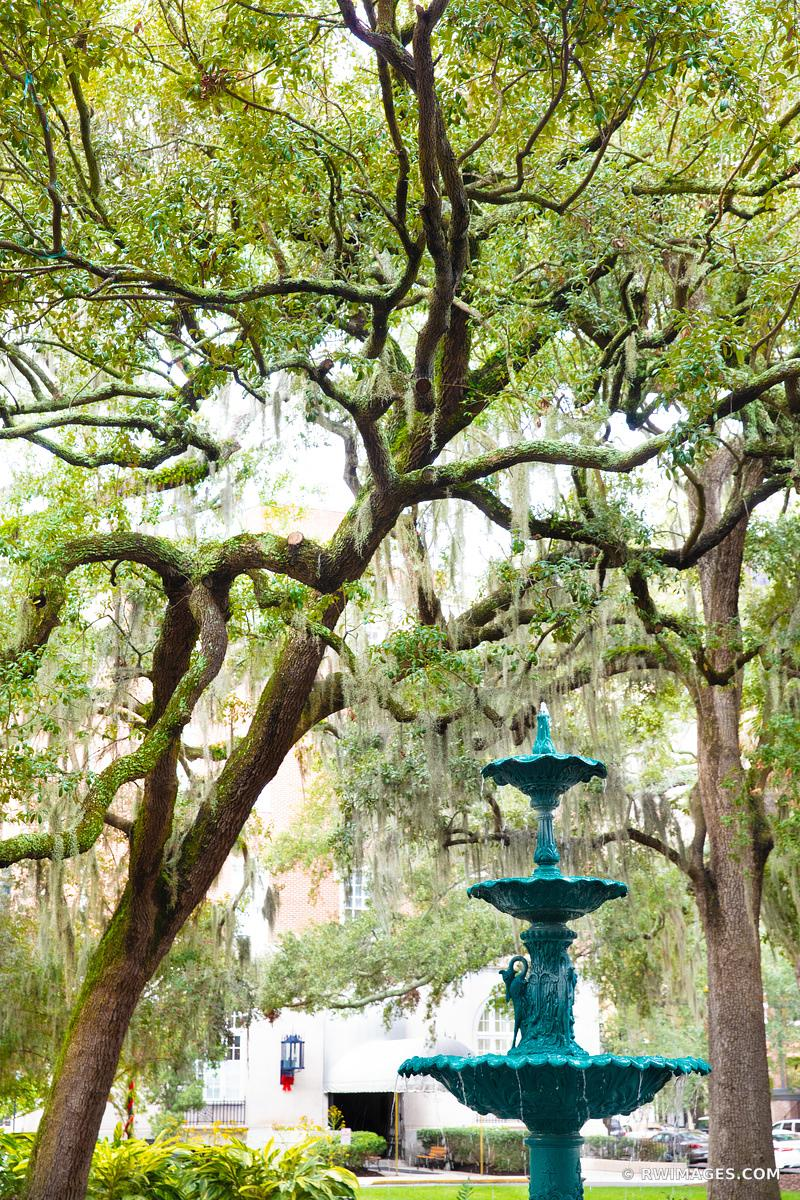 LAFAYETTE SQUARE FOUNTAIN SAVANNAH GEORGIA