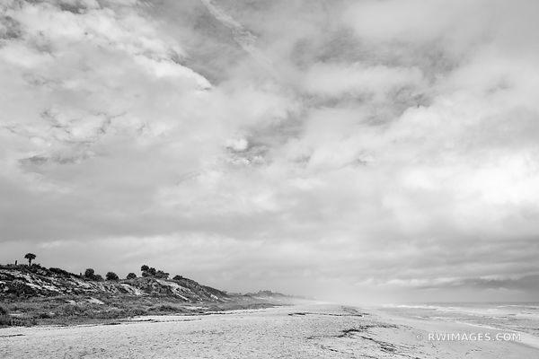 ATLANTIC OCEAN BEACH NEAR ST. AUGUSTINE FLORIDA BLACK AND WHITE