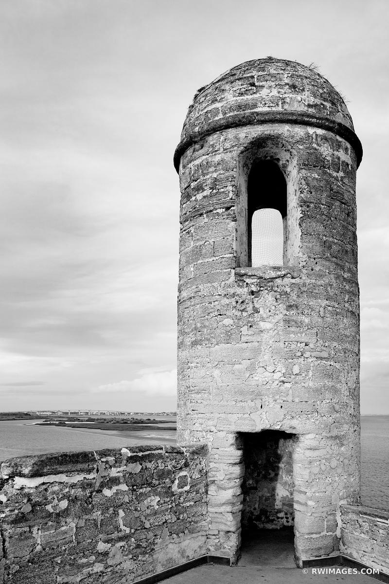 CASTILLO DE SAN MARCOS ST. AUGUSTINE FLORIDA BLACK AND WHITE VERTICAL