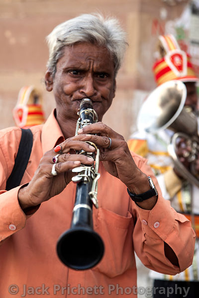 Clarinet player in Hindu street fest