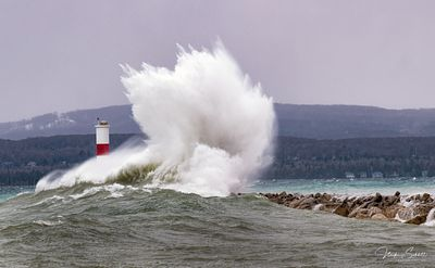 Petoskey_exploding_waves_A_color_crop_sig_noise_Print_L1000915