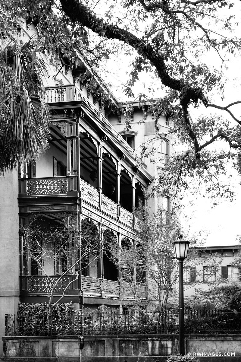 HISTORIC SAVANNAH GEORGIA ARCHITECTURE BLACK AND WHITE VERTICAL
