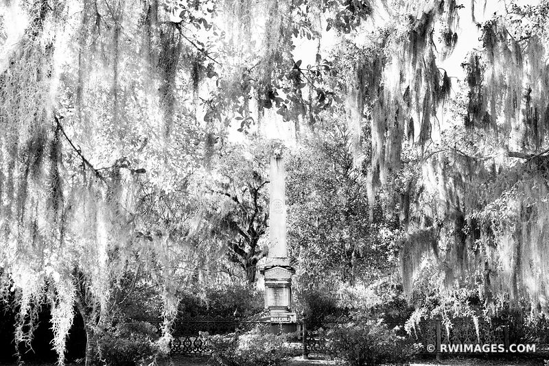 BONAVENTURE CEMETERY HISTORIC SAVANNAH GEORGIA BLACK AND WHITE