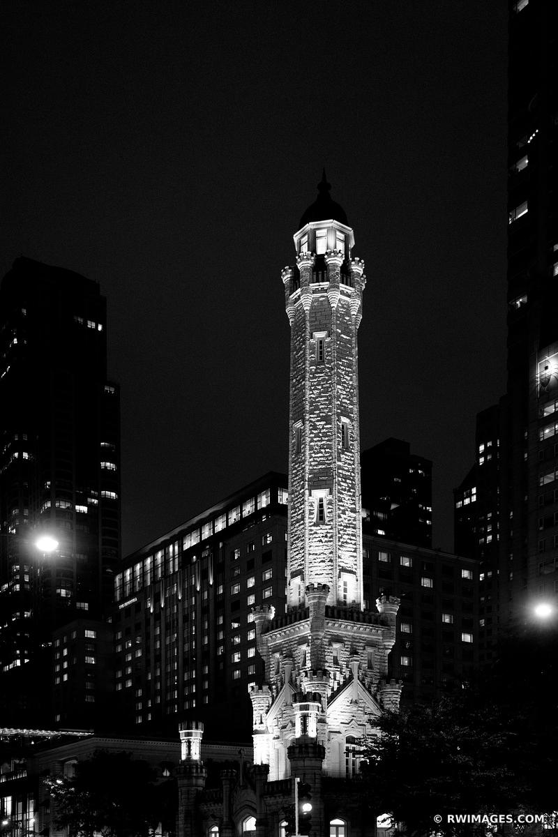 WATER TOWER MICHIGAN AVENUE CHICAGO DOWNTOWN NIGHT STREET VIEW CHICAGO LANDMARK CHICAGO ILLINOIS BLACK AND WHITE