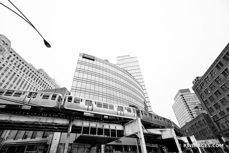 EL TRAIN ELEVATED TRAIN KINZIE AND WELLS STREET CHICAGO ILLINOIS BLACK AND WHITE