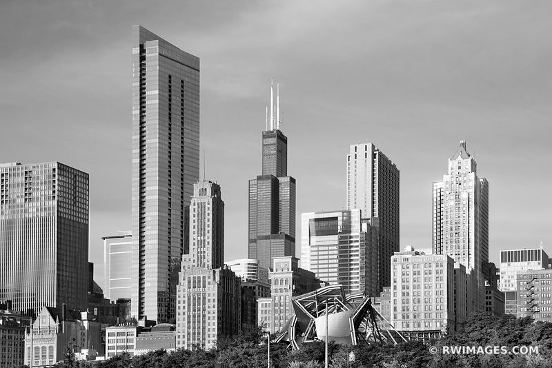 SOUTH LOOP CHICAGO DOWNTOWN CHICAGO ILLINOIS BLACK AND WHITE