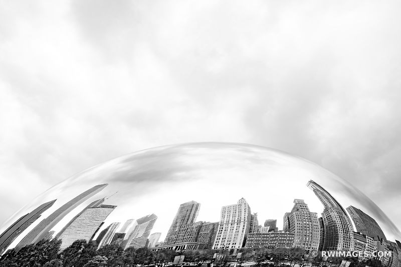 MILLENIUM PARK CLOUD GATE THE BEAN CHICAGO ILLINOIS BLACK AND WHITE