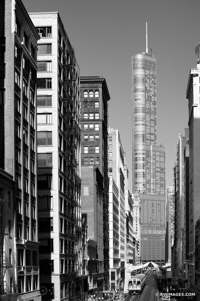 CHICAGO ARCHITECTURE TRUMP TOWER CHICAGO ILLINOIS BLACK AND WHITE VERTICAL