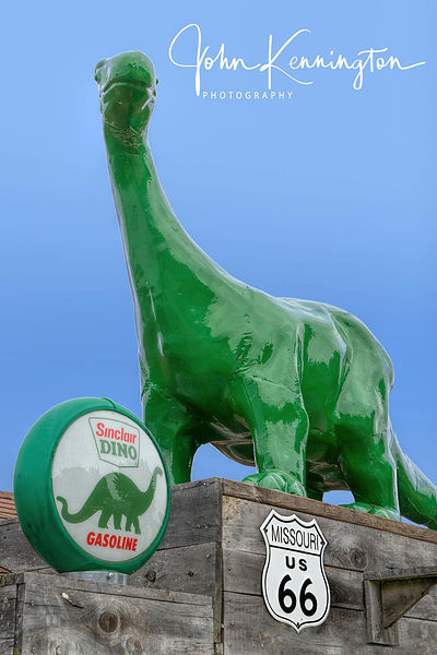 Sinclair Dino, Bobs Gasoline Alley, Route 66, Cuba, Missouri