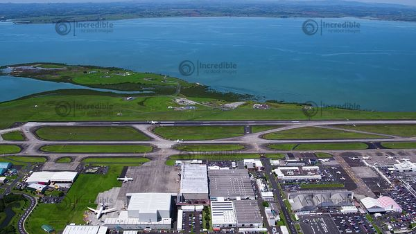 Auckland_Airport_051801
