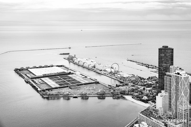 NAVY PIER CHICAGO DOWNTOWN AERIAL VIEW CHICAGO ILLINOIS BLACK AND WHITE