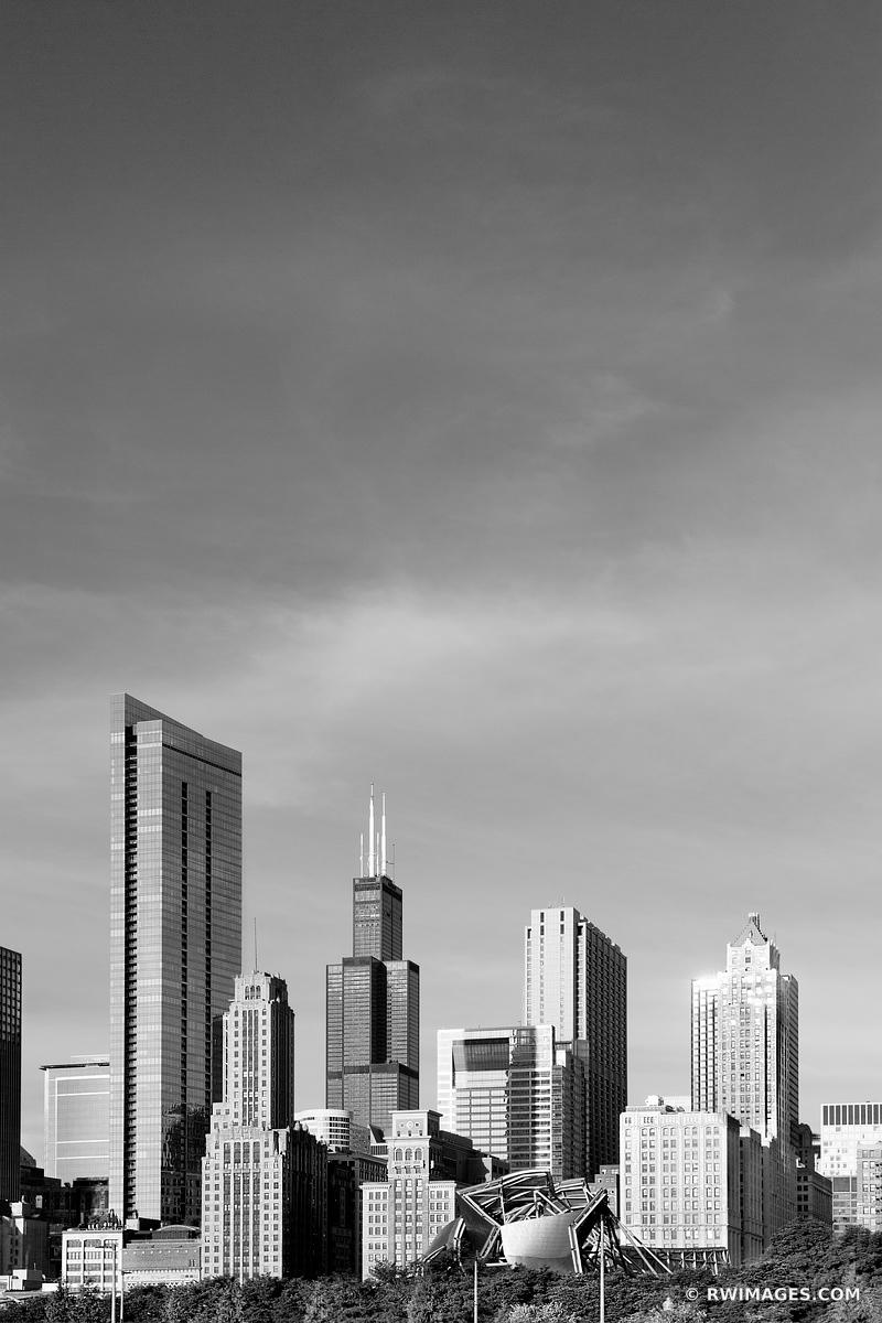 SOUTH LOOP CHICAGO DOWNTOWN CHICAGO ILLINOIS CHICAGO ILLINOIS BLACK AND WHITE VERTICAL