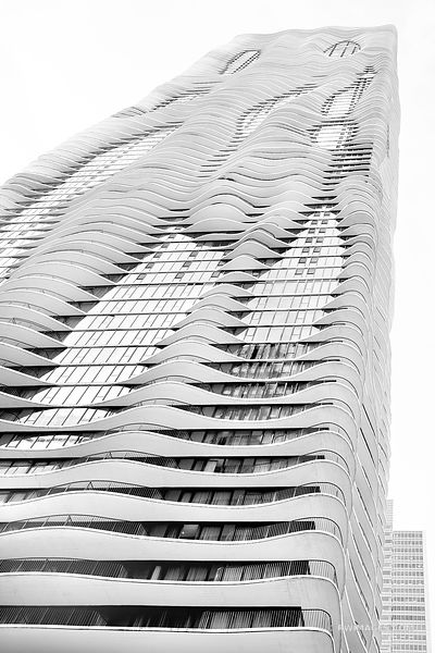 RADISSON BLU AQUA HOTEL CHICAGO ARCHITECTURE CHICAGO ILLINOIS BLACK AND WHITE VERTICAL