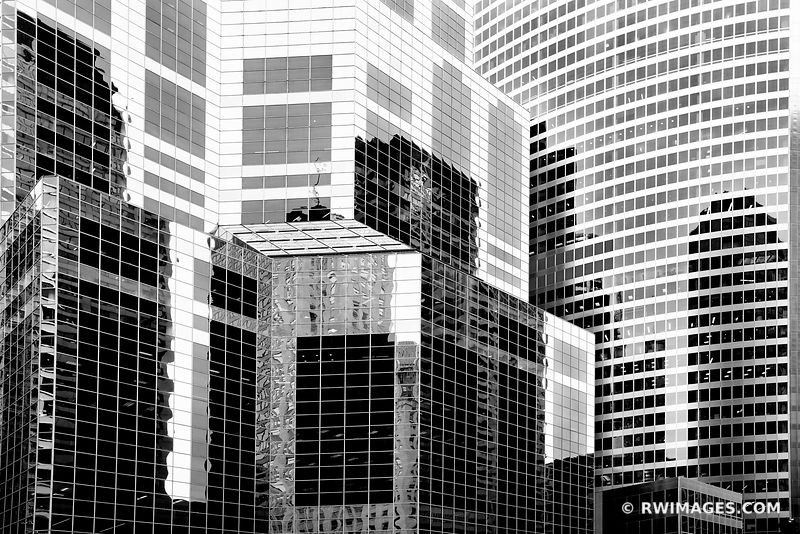 CHICAGO MODERN ARCHITECTURE GLASS AND STEEL WACKER STREET CHICAGO ILLINOIS BLACK AND WHITE