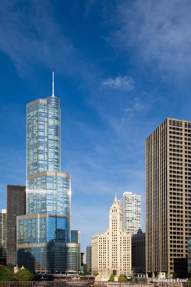 TRUMP TOWER AND WRIGLEY BUILDING CHICAGO DOWNTOWN ARCHITECTURE CHICAGO ILLINOIS COLOR VERTICAL