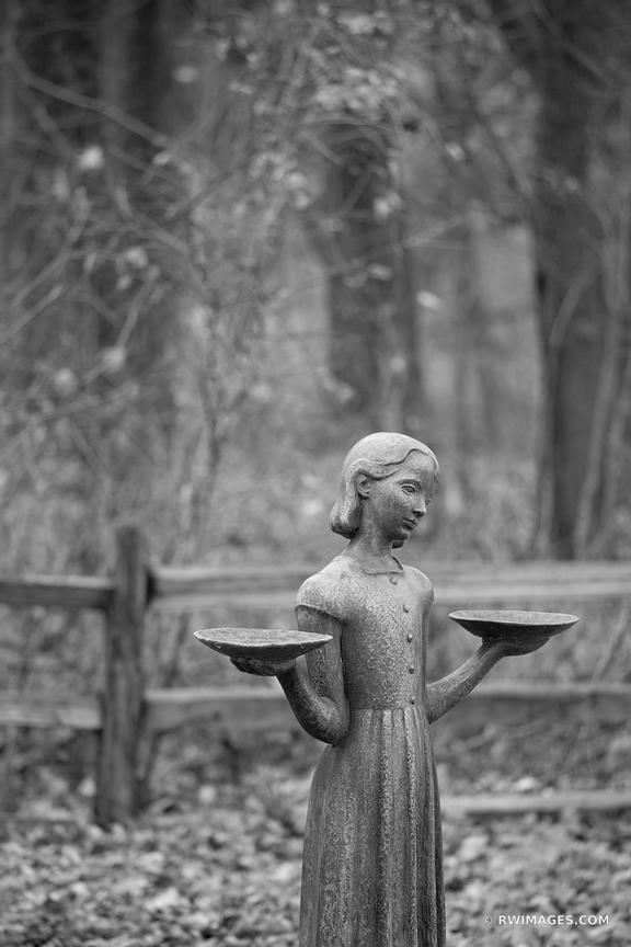 GIRL STATUE CHICAGO NORTH SHORE RYERSON WOODS FOREST PRESERVE RIVERWOODS ILLINOIS MIDWEST LANDSCAPE NATURE BLACK AND WHITE