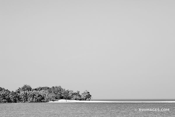 GULF OF MEXICO TEN THOUSAND ISLANDS EVERGLADES NATIONAL PARK FLORIDA BLACK AND WHITE