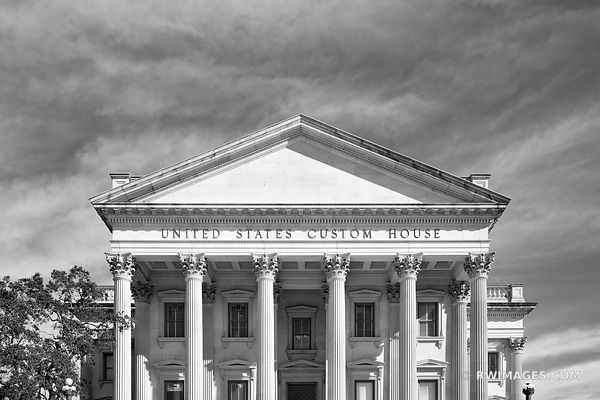 UNITED STATES CUSTOM HOUSE BUILDING CHARLESTON SOUTH CAROLINA BLACK AND WHITE