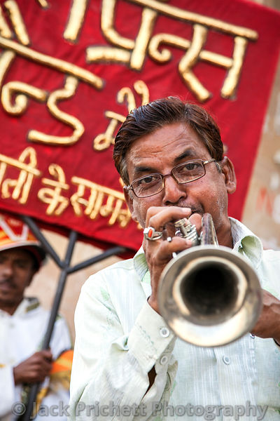 Trumpet player in Hindu street fest