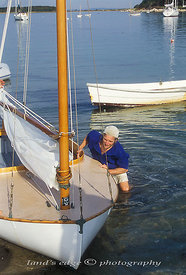 ELF_John_pushes_Henry_J_ashore