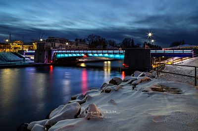 Bridge_lights_1-1-2020_snow_crop_select_auto_color_187