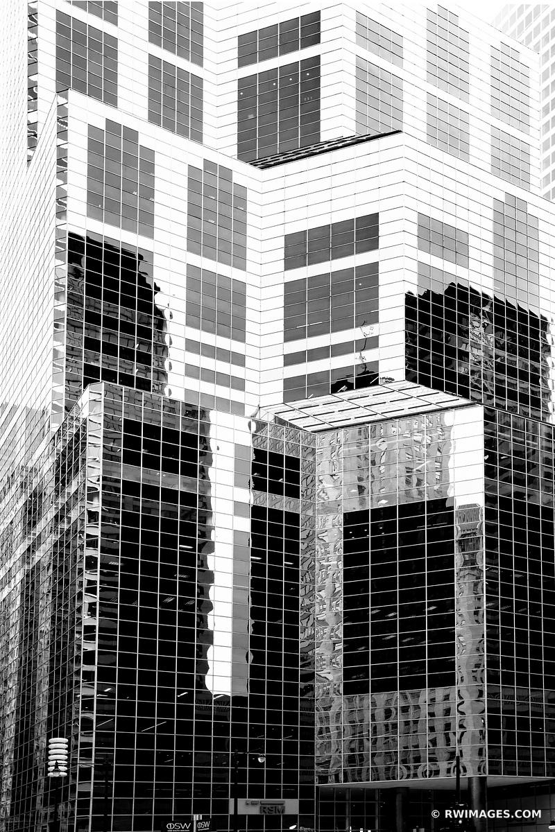 CHICAGO MODERN ARCHITECTURE GLASS AND STEEL WACKER STREET CHICAGO ILLINOIS BLACK AND WHITE VERTICAL