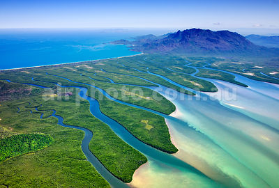 Hinchinbrook_Is_48790