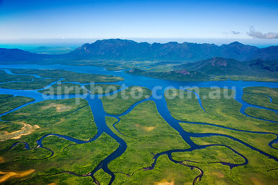 Hinchinbrook_Is_48781
