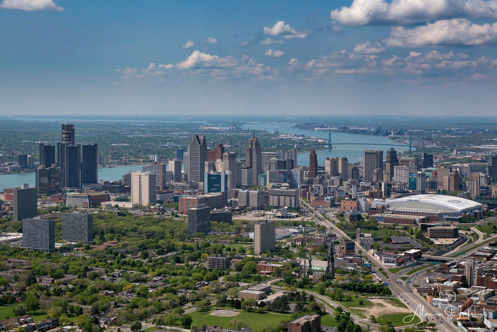 Detroit_Skyline_Aerial_from_East