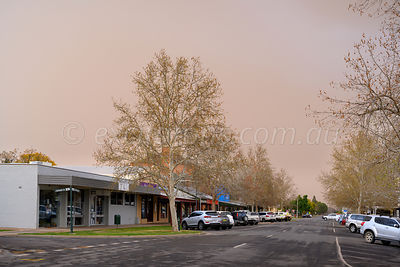 Darling St., Wentworth, incoming dust storm.