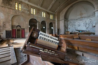 St_Margaret_Mary_Organ_Upside_Down