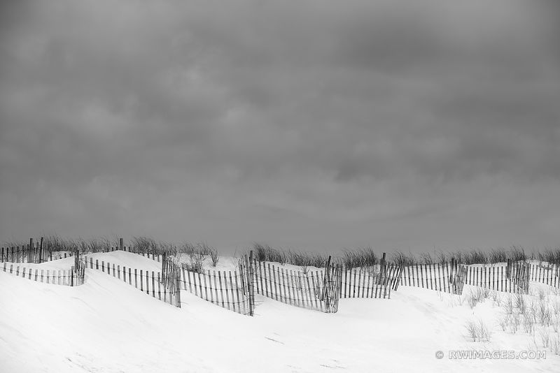 WOODEN BEACH FENCE SOUTHHAMPTON LONG ISLAND BLACK AND WHITE